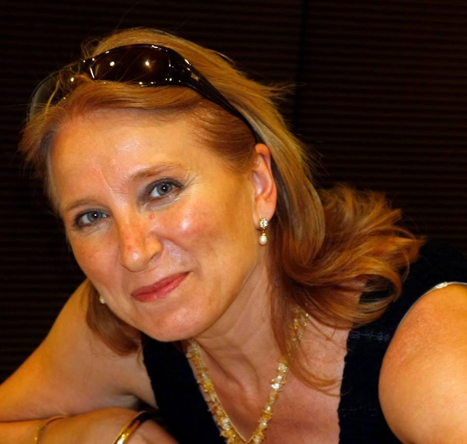 Mari Carmen R